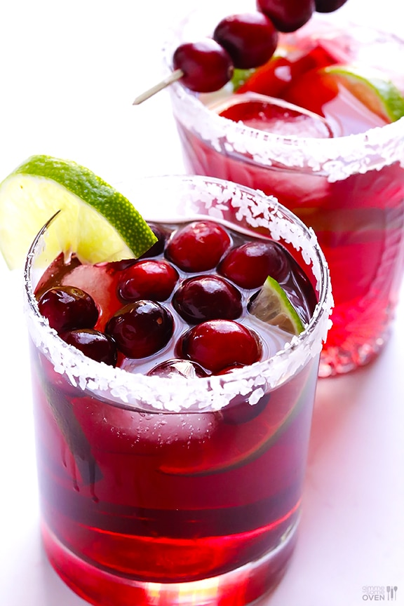7 Tasty, Sparkly & Fizzy Cranberry Cocktails | thegoodstuff