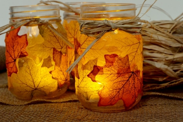 Gourds, Acorns & Leaves, Oh My! 9 DIY Fall Centerpieces: Leaf Mason Jars | thegoodstuff