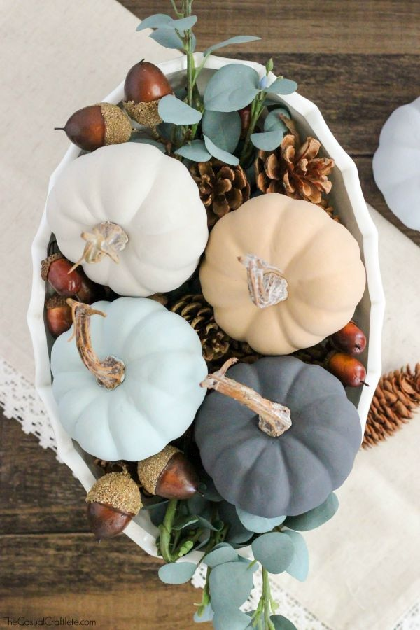 Gourds, Acorns & Leaves, Oh My! 9 DIY Fall Centerpieces: Chalk Paint Pumpkins | thegoodstuff