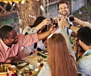 Friendsgiving Ideas_feat
