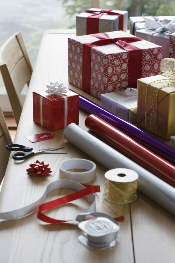 How to Host a Kids' Holiday Craft Party   thegoodstuff