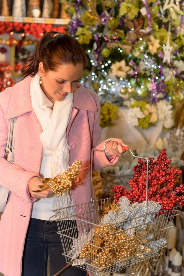 hello sales 10 best things to buy after christmas thegoodstuff - After Christmas Decoration Sales