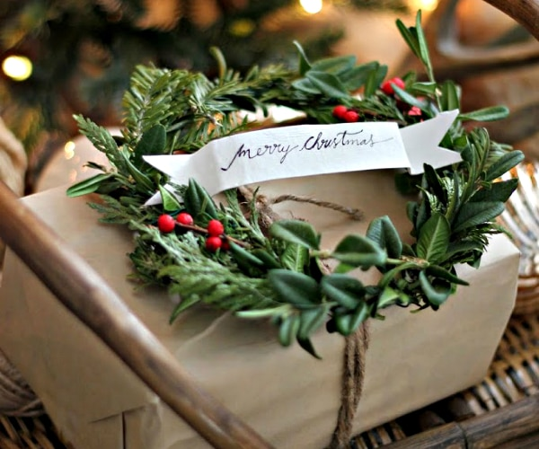 70+ Easy & Beautiful Christmas Gift Wrapping Ideas