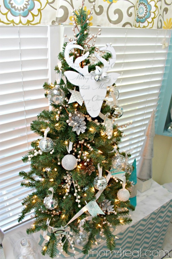 Top Your Tree! 6 DIY Christmas Tree Topper Projects | thegoodstuff
