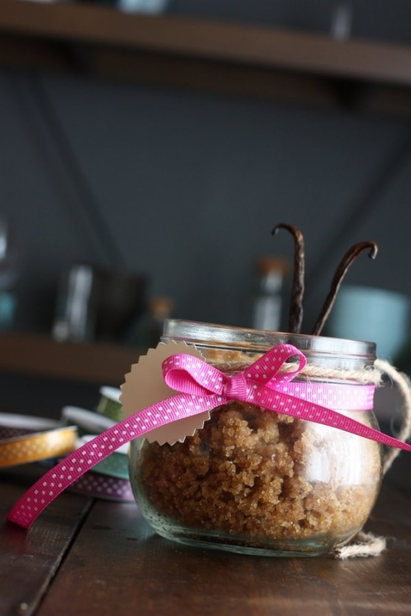 7 DIY Spa Gifts: Sugar Cookie Scrub | thegoodstuff