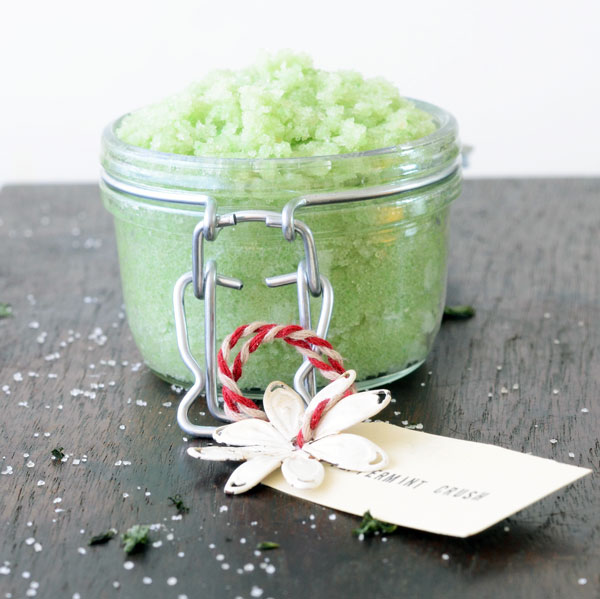 7 DIY Spa Gifts: Homemade Foot Scrub | thegoodstuff