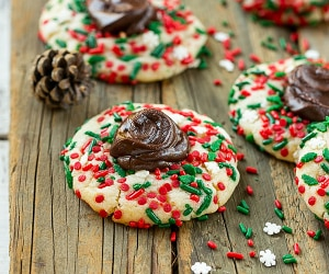 8 Tasty Holiday Cookie Recipes Made on a Budget | thegoodstuff