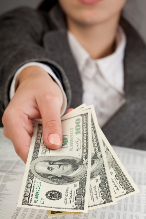10 Financial Resolutions to Save More & Spend Less   thegoodstuff