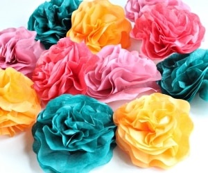 5 DIY Paper Roses Even Prettier Than the Real Thing | thegoodstuff