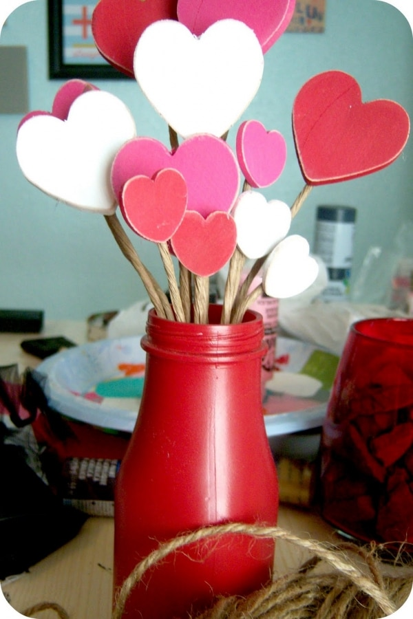 10 Simple & Sweet Valentine's Day Centerpieces | thegoodstuff