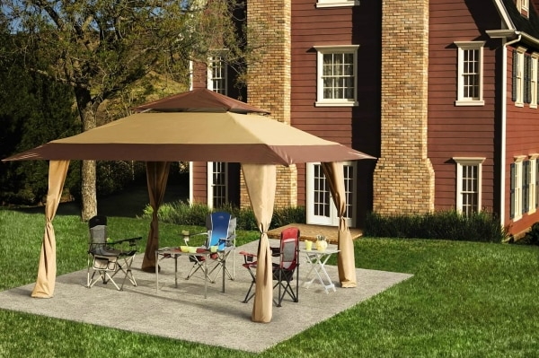 14 Ideas for a Cozy Family Backyard You'll Love | thegoodstuff