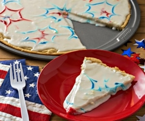 This Firecracker Sugar Cookie Pizza Will Make You Ooh & Ahh! | thegoodstuff