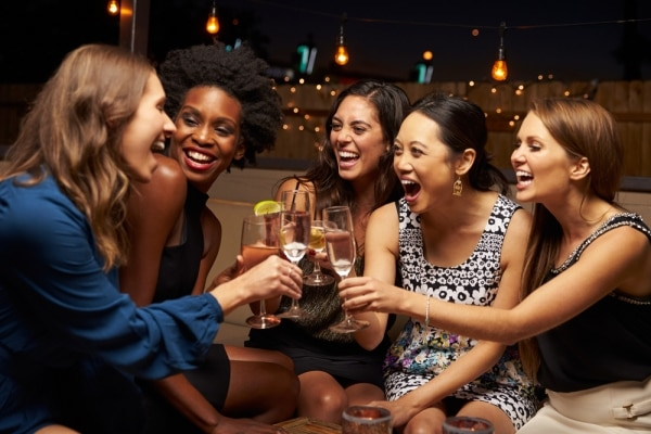 How to Plan a Girls' Night Out When You're Strapped for Cash   thegoodstuff