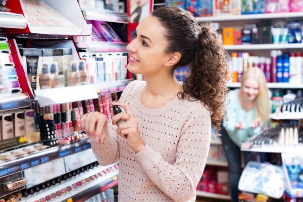 It's Glam On! With These 10 Tips for Saving Money on Makeup | thegoodstuff