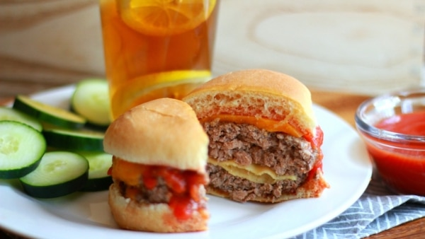 This Stuffed Cheeseburgers Recipe is Chef Boyardee Approved | thegoodstuff