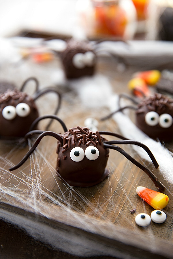 10 Easy No-Bake Halloween Treats for Your Spooky Shindig | thegoodstuff