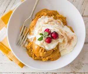 This Creamy Crock Pot Pumpkin Poke Cake is to Die For! | thegoodstuff