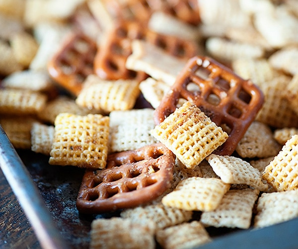 6 Quick Snacks for Kids to Keep Them Happy While You Shop!   thegoodstuff