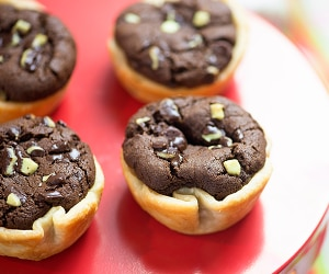 These Mint-Chocolate Cookie Pies Are a Dream Come True | thegoodstuff
