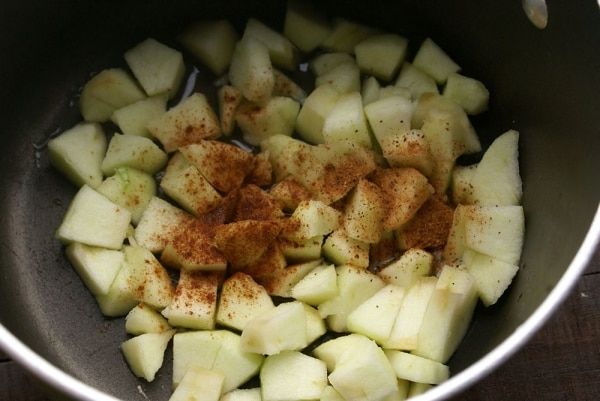 How to Make Salted Caramel Apple Sauce [Video] | thegoodstuff