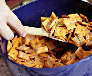 We're Addicted to This Dill & Cheese Cracker Mix!