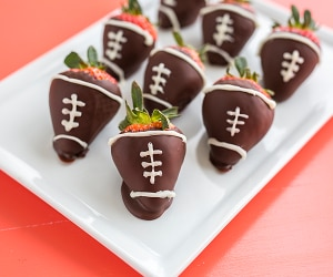 These Chocolate-Dipped Strawberries Come with a Big Game Twist   thegoodstuff