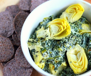 Kick Guilt to the Curb with this Healthy Spinach Dip Recipe | thegoodstuff