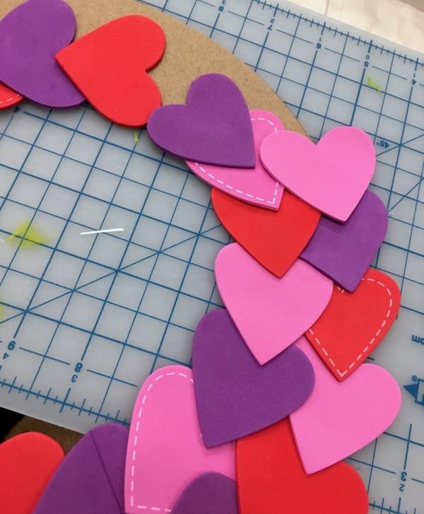 DIY Valentine Wreath | thegoodstuff