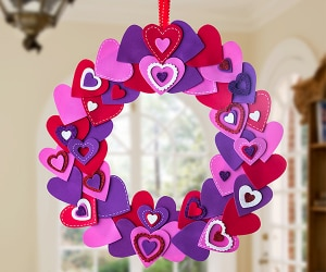 How to Make Heart-Shaped Wreath DIY | thegoodstuff