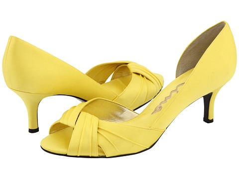 Yellow Low Heel Pumps Under $50 | thegoodstuff