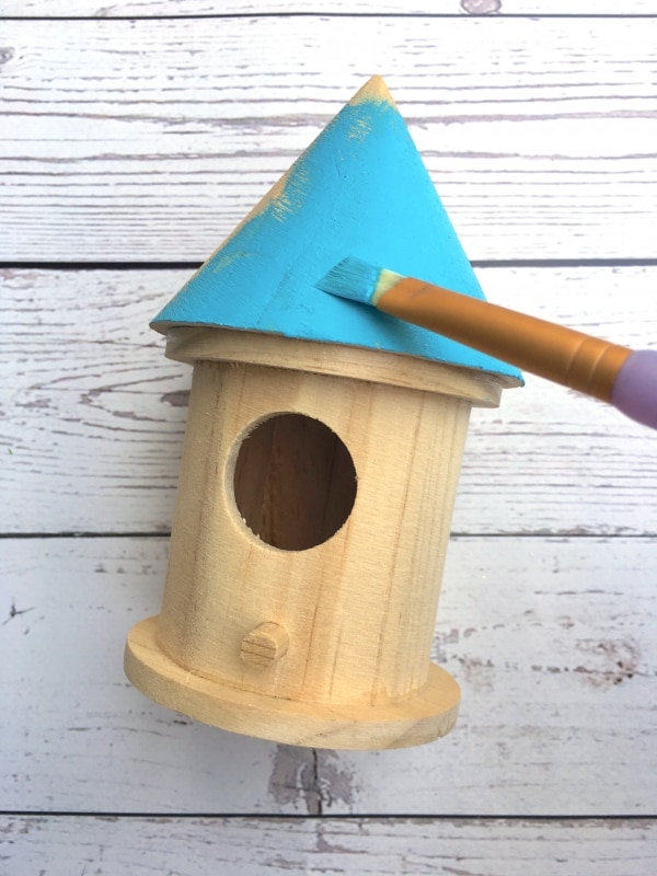 Spring Crafts for Kids: DIY Birdhouses | thegoodstuff