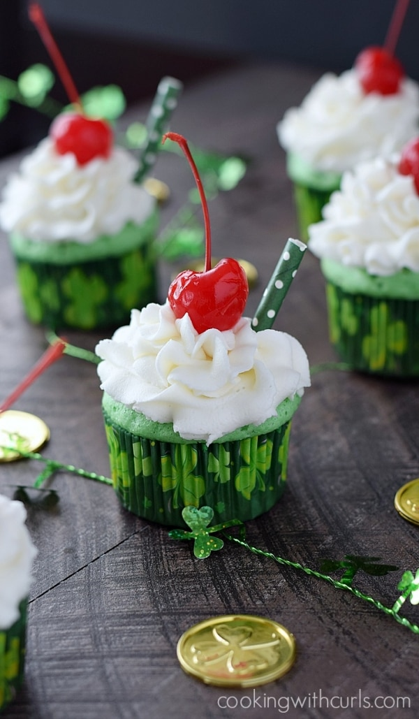 Green Desserts for St Patrick's Day: Shamrock Shake Cupcakes | thegoodstuff