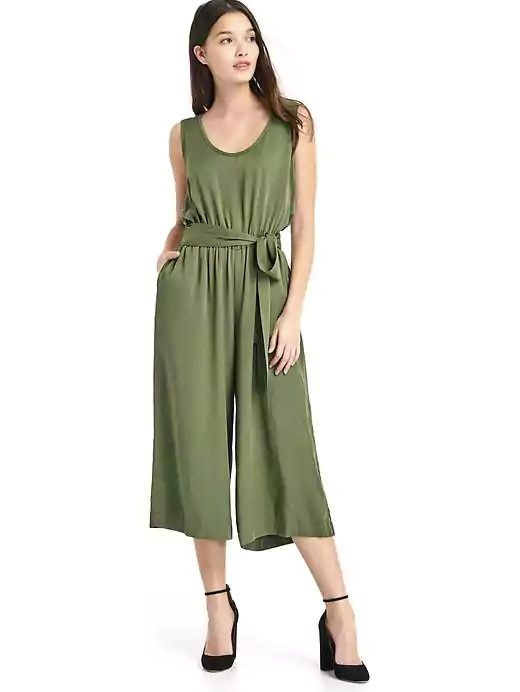 595db00c3b9b You ll Go Gaga for These 10 Green Spring Outfits