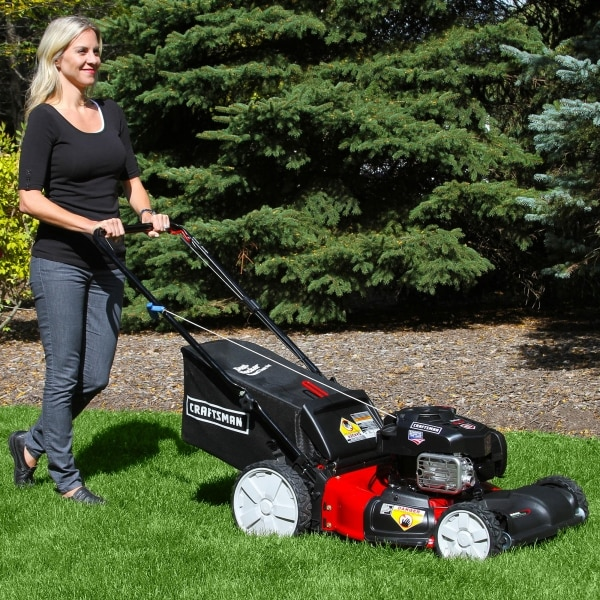 What to Buy in March: Lawnmowers | thegoodstuff