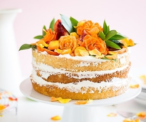 Naked Wedding Cake Idea | thegoodstuff