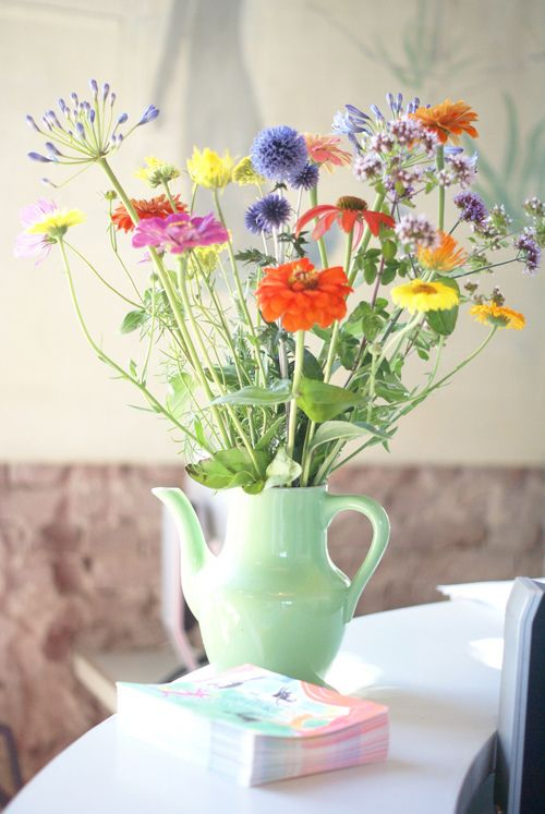 How to Arrange Flowers | thegoodstuff