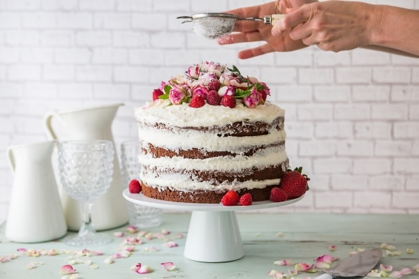 Naked Wedding Cakes | thegoodstuff