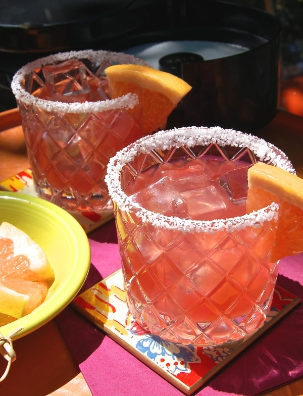 Celebrate Cinco de Mayo with this Grapefruit-Pom Margarita Recipe!  | Coupons.com